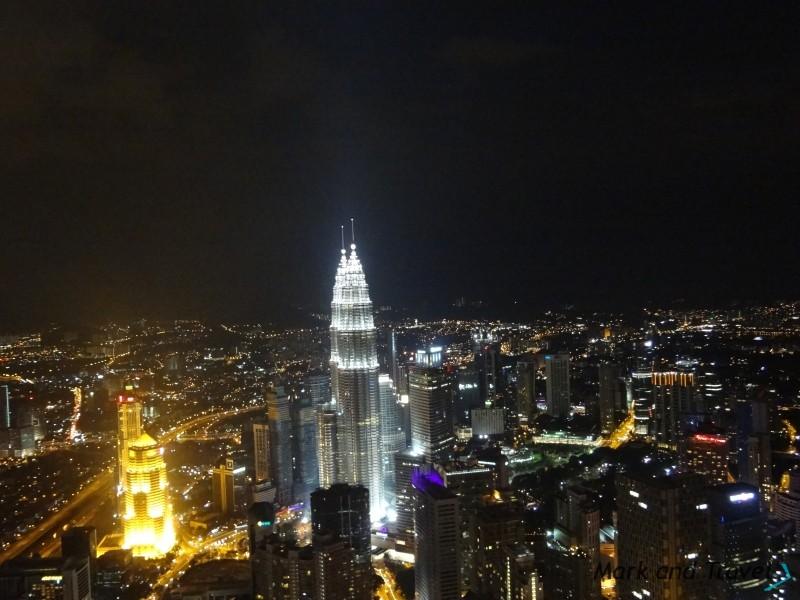 Menara Kuala Lumpur (w nocy)