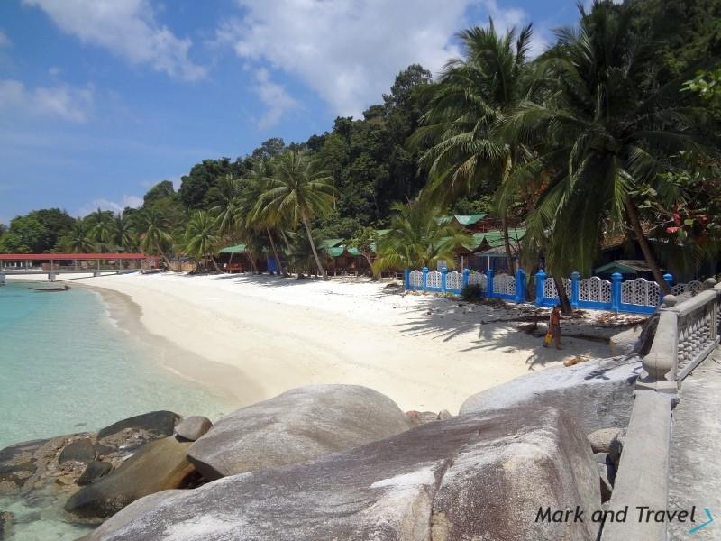 Perhentian Besar kamienie, plaża