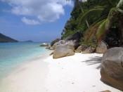 Perhentian Besar niewielka plaża