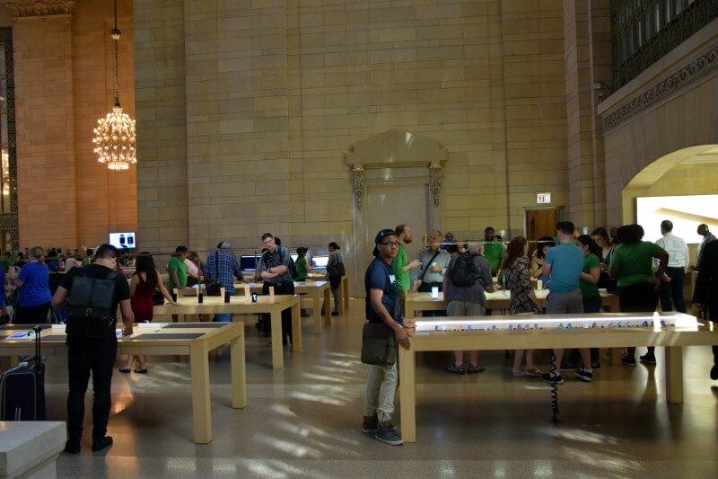 Apple Store Grand Central wnętrze