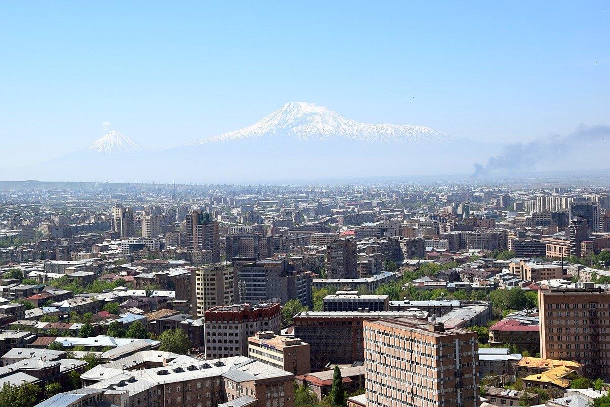 Yerevan (Erywań) - w tle góra Ararat